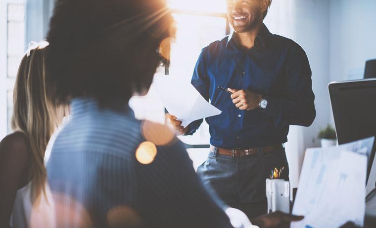 8 dicas para incentivar o estudo do inglês dentro da empresa