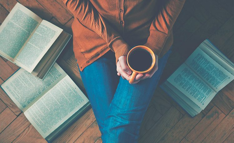 Leitura em inglês: 20 livros britânicos para praticar