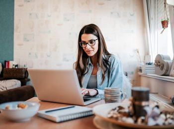 4 benefícios do curso de inglês online